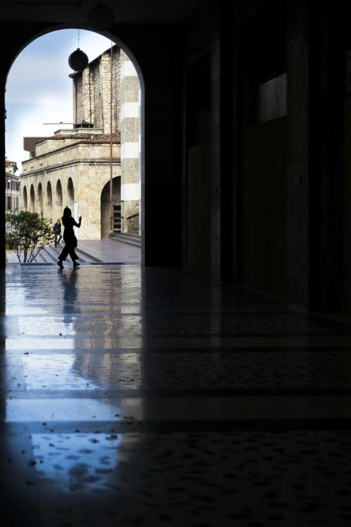 """""""Passeggero"""" en Venezia de Alex Basha"""